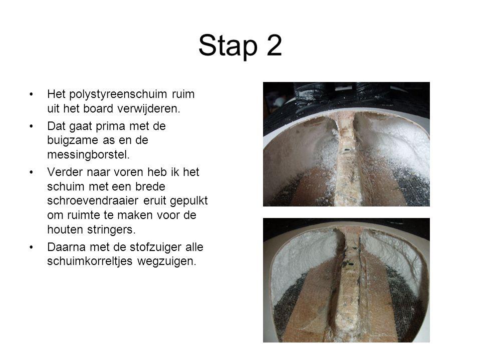 Stap 11 Met RIGO-Surfspachtel plamuren.(Natuurlijk kan je ook een ander plamuur nemen).