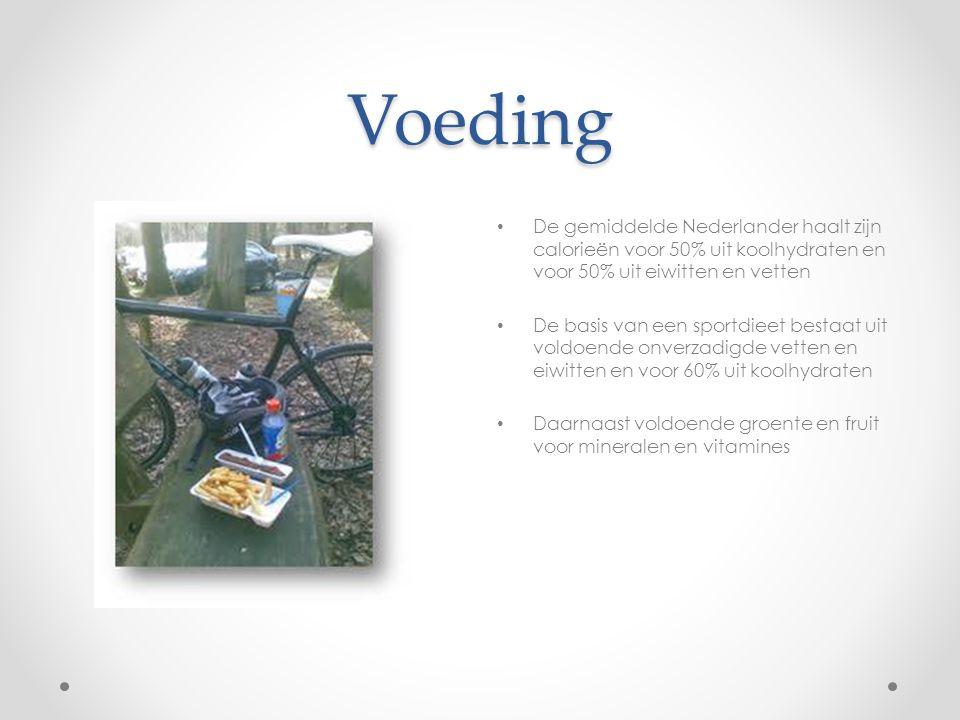 Voeding De gemiddelde Nederlander haalt zijn calorieën voor 50% uit koolhydraten en voor 50% uit eiwitten en vetten De basis van een sportdieet bestaa