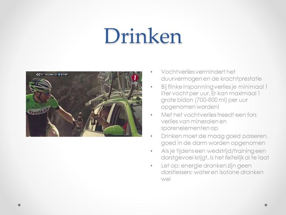 Drinken Vochtverlies vermindert het duurvermogen en de krachtprestatie Bij flinke inspanning verlies je minimaal 1 liter vocht per uur. Er kan maximaa