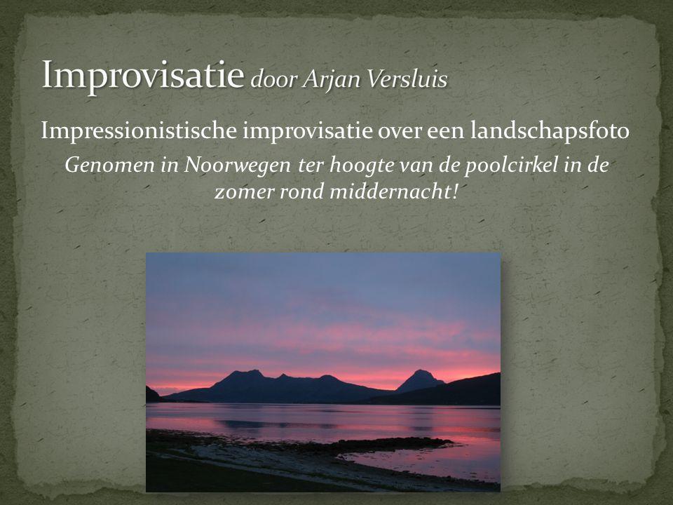 Impressionistische improvisatie over een landschapsfoto Genomen in Noorwegen ter hoogte van de poolcirkel in de zomer rond middernacht!