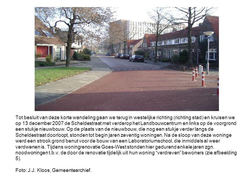Tot besluit van deze korte wandeling gaan we terug in westelijke richting (richting stad) en kruisen we op 13 december 2007 de Scheldestraat met verderop het Landbouwcentrum en links op de voorgrond een stukje nieuwbouw.