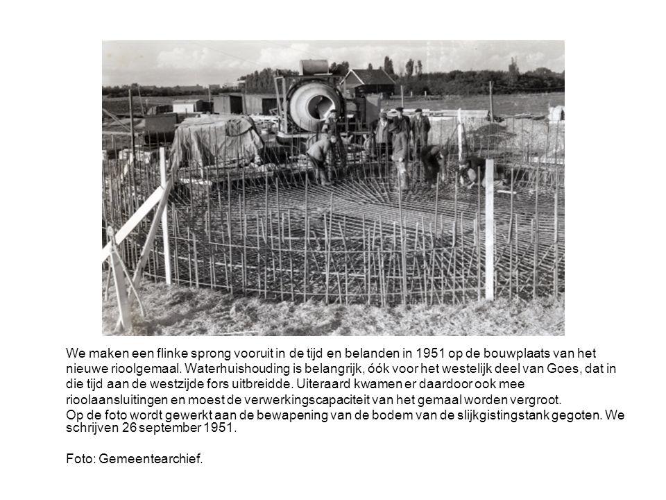 Rond 1970 werden enkele woningblokken aan Zuidvlietstraat en Scheldestraat (links) gesloopt.