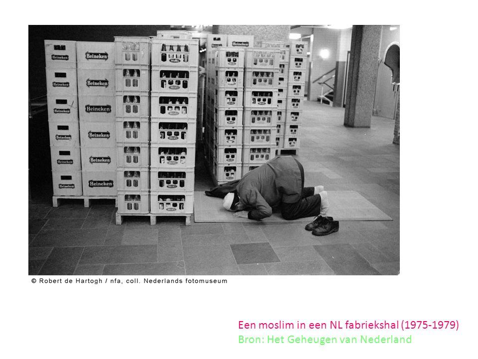Een moslim in een NL fabriekshal (1975-1979) Bron: Het Geheugen van Nederland