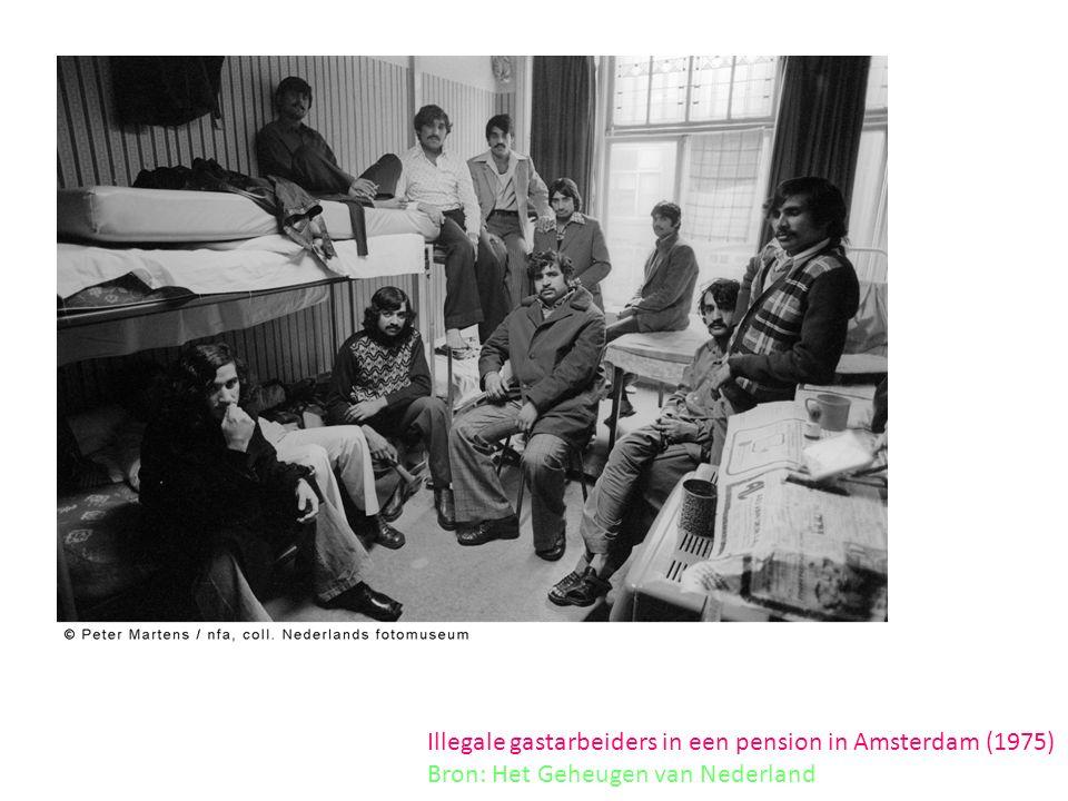 Illegale gastarbeiders in een pension in Amsterdam (1975) Bron: Het Geheugen van Nederland