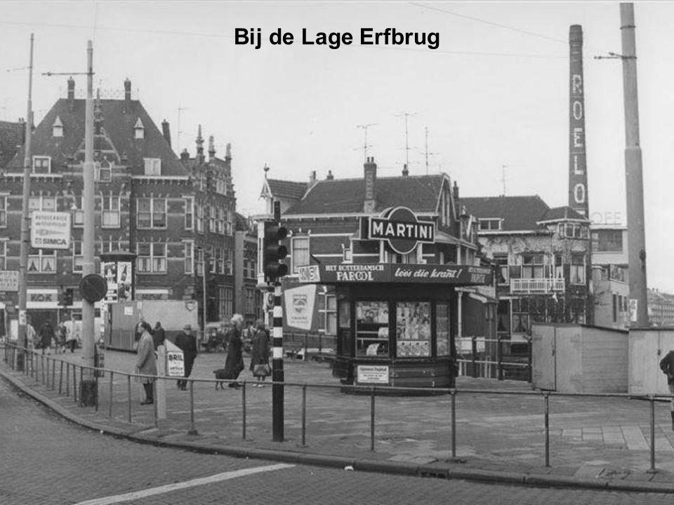 Beursplein met trams en het Beursstation Rotterdam 1930