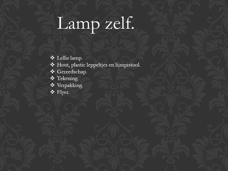 Lamp zelf.  Lellie lamp.  Hout, plastic leppeltjes en lijmpistool.