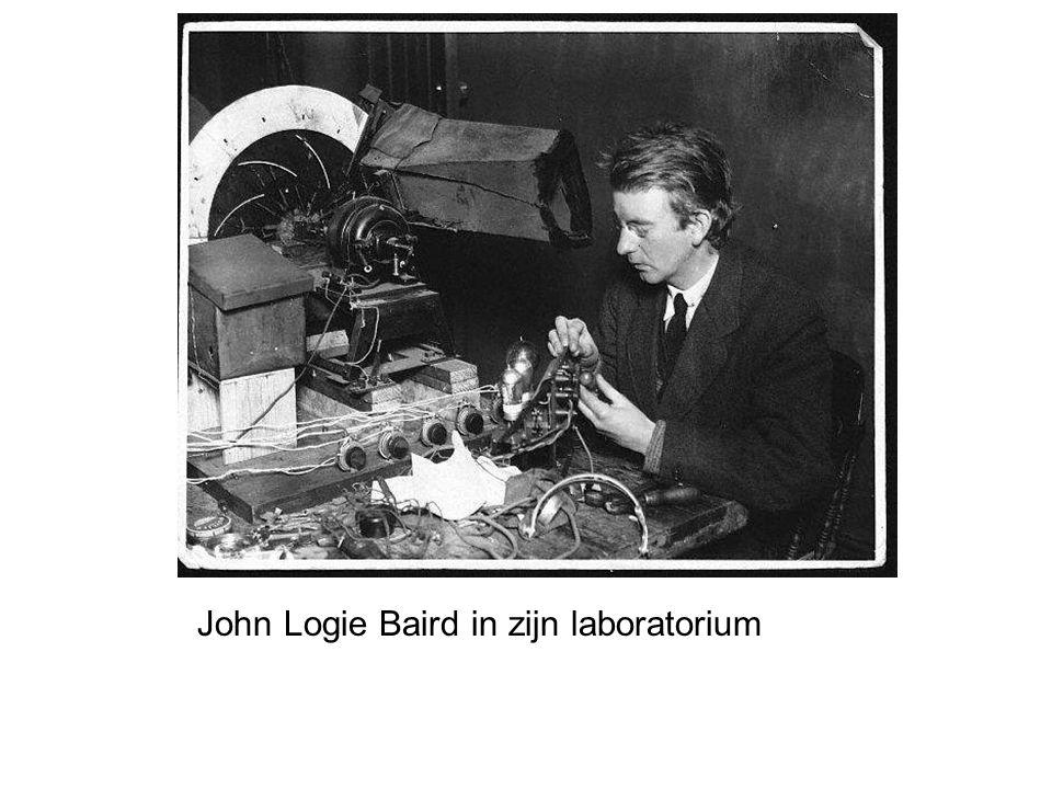 John Logie Baird in zijn laboratorium