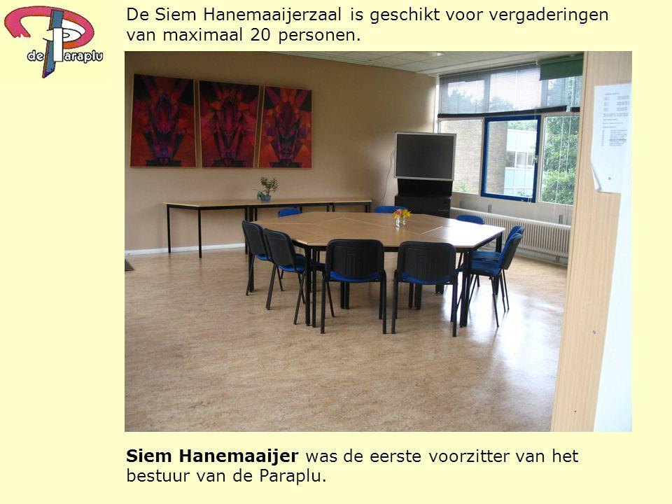 Siem Hanemaaijer was de eerste voorzitter van het bestuur van de Paraplu. De Siem Hanemaaijerzaal is geschikt voor vergaderingen van maximaal 20 perso