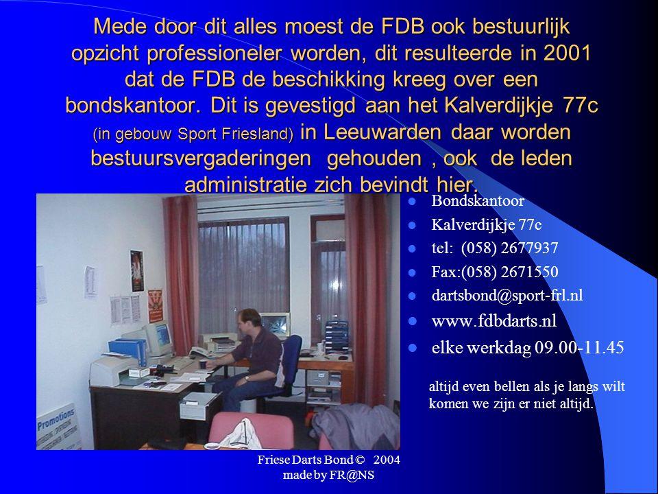 Friese Darts Bond © 2004 made by FR@NS  De FDB organiseert als enigste Nederlandse dartsbond een dubbele competitie, hoe gaat dat in zijn werk: Wij beginnen het seizoen in september, je speelt met 7 andere teams in een poule,dat zijn 7 wedstrijden uit en 7 thuis, na 14 wedstrijden is het inmiddels december.