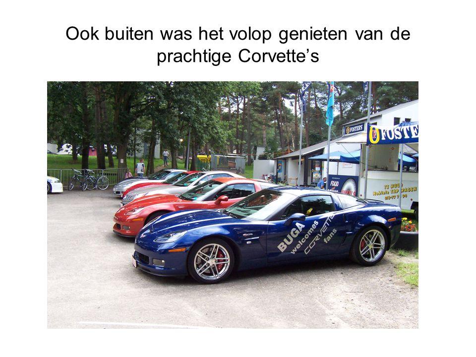Ook buiten was het volop genieten van de prachtige Corvette's