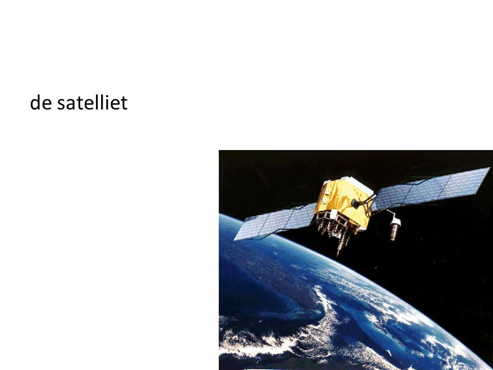 de satelliet