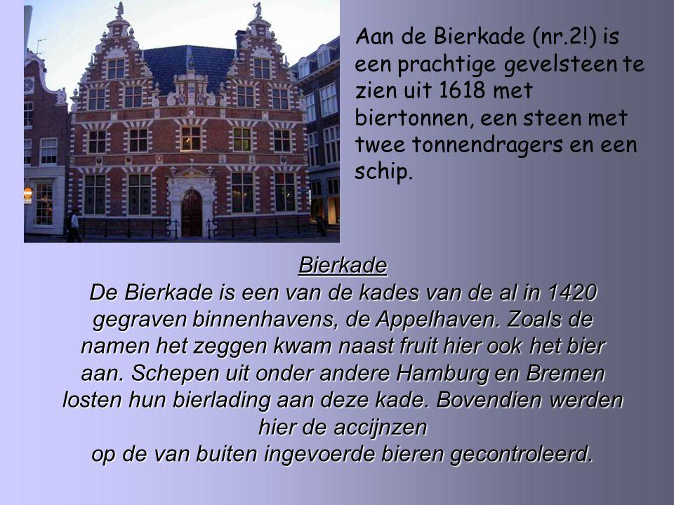 De monding van de oudste haven van Hoorn In 1531 is de Hoofdtoren gebouwd als verdedigingstoren.