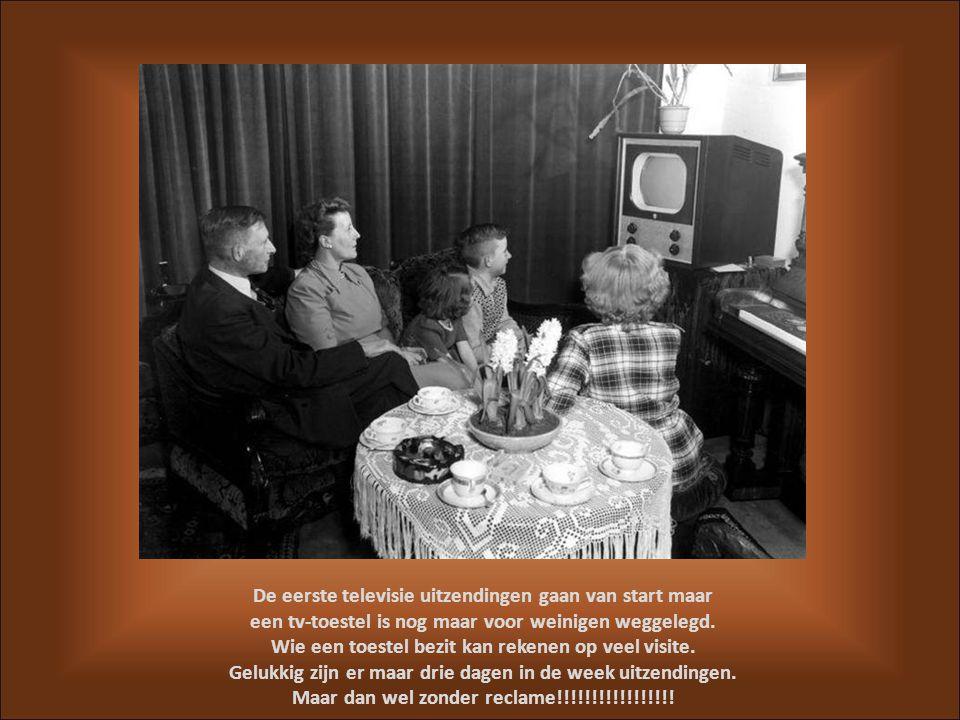 Het bezit van een radiotoestel is algemeen geworden. Er vinden experimentele stereo-uitzendingen plaats: voor de ontvangst moet men twee toestellen di