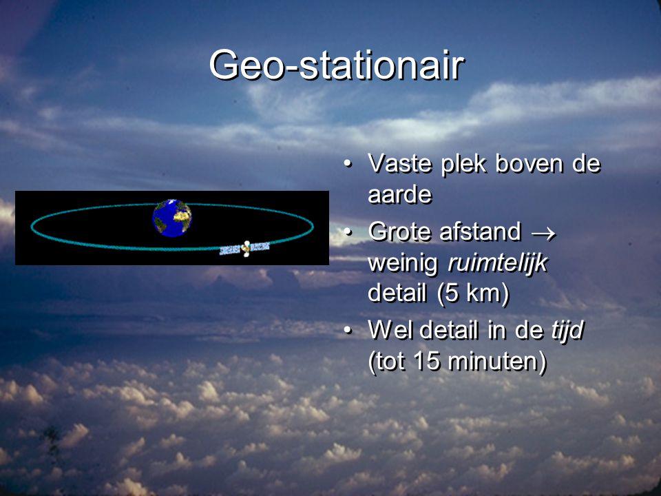 Straling: het spectrum golflengte (m) 10 5 10 3 10 0 10 -3 10 -6 10 -9 TV/radio micro-golf (radar) Rontgen infrarood lange-golf radio zichtbaar