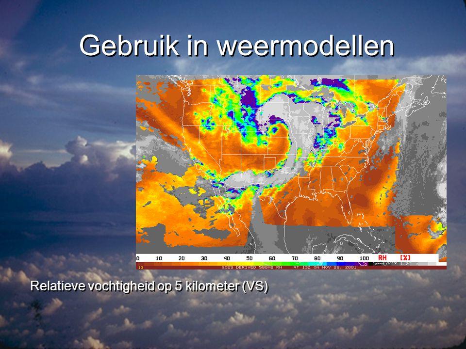 Gebruik in weermodellen •Oppervlakte wind op zee uit radar •Actief: reflectie hangt af van ruwheid •Passief: uitgezonden straling hangt af van ruwheid •Ruwheid hangt af van windsnelheid •Oppervlakte wind op zee uit radar •Actief: reflectie hangt af van ruwheid •Passief: uitgezonden straling hangt af van ruwheid •Ruwheid hangt af van windsnelheid wind rond Antarctica