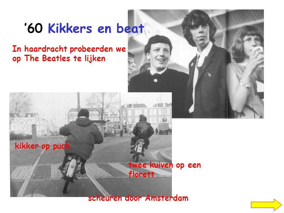 '60 Kikkers en beat kikker op puch twee kuiven op een florett scheuren door Amsterdam In haardracht probeerden we op The Beatles te lijken