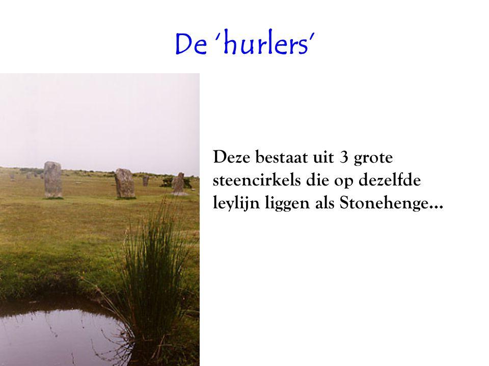 De 'hurlers' Deze bestaat uit 3 grote steencirkels die op dezelfde leylijn liggen als Stonehenge…