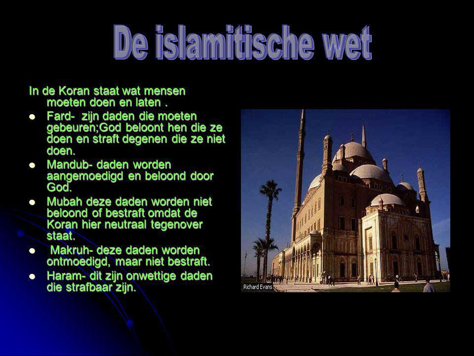 In de Koran staat wat mensen moeten doen en laten.