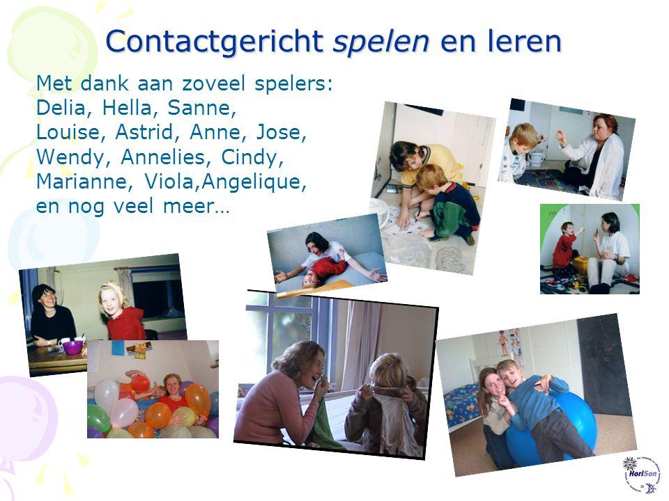 Contactgericht spelen en leren Ouders en begeleiders kunnen, als ze dat willen, het programma nog effectiever maken door spelers te gebruiken. Spelers