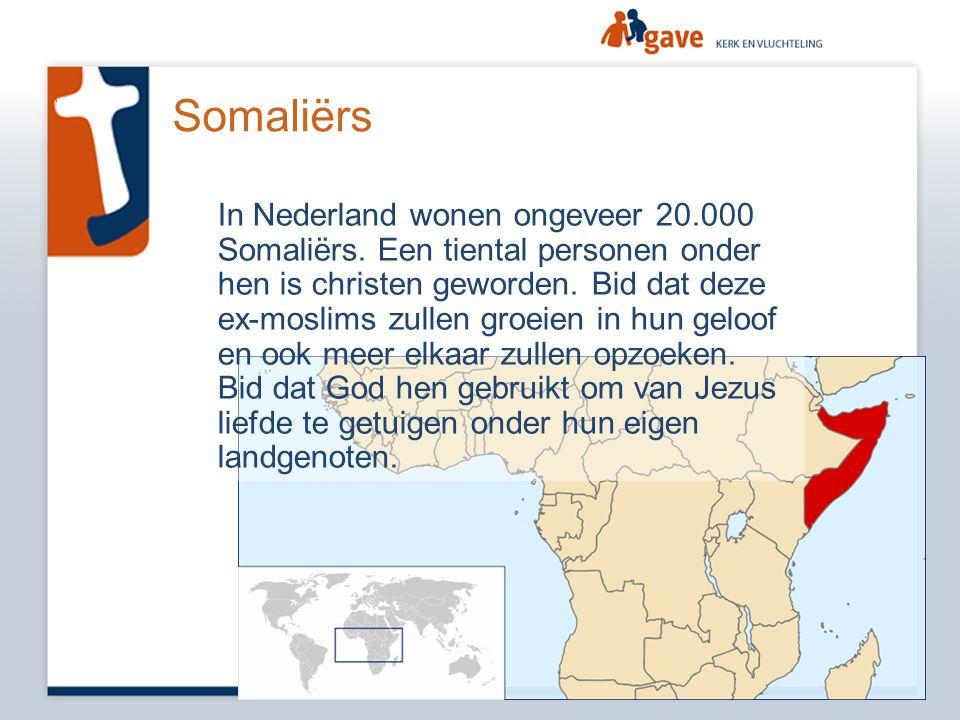 Somaliërs In Nederland wonen ongeveer 20.000 Somaliërs. Een tiental personen onder hen is christen geworden. Bid dat deze ex-moslims zullen groeien in