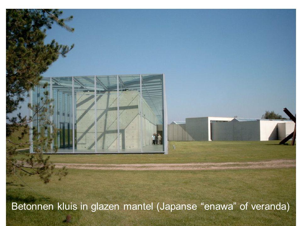 """Betonnen kluis in glazen mantel (Japanse """"enawa"""" of veranda)"""