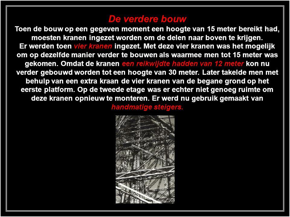 Voltooiing van de eerste verdieping Op 26 maart 1888 werd de eerste verdieping voltooid, 57,63 meter boven het Champ de Mars. De zestien hydraulische