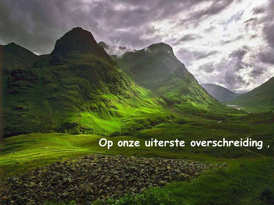 … de schatten van uw oneindige Barmhartigheid uitspreiden!