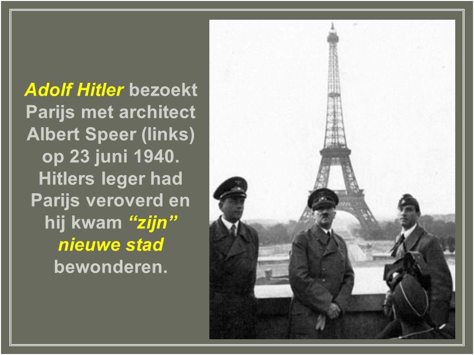 Adolf Hitler bezoekt Parijs met architect Albert Speer (links) op 23 juni 1940.