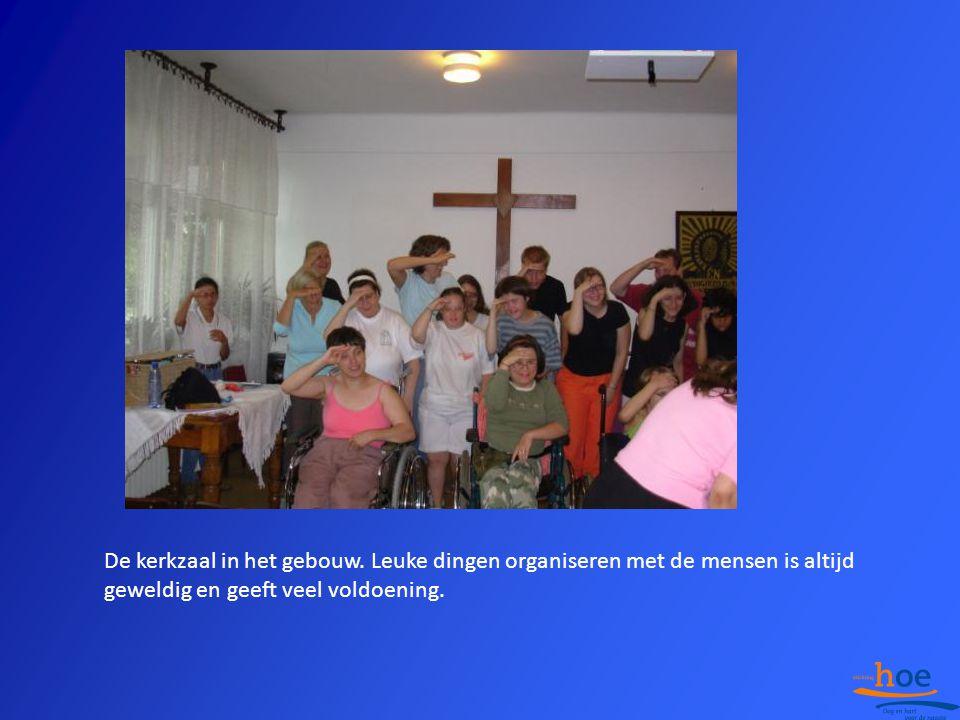 De kerkzaal in het gebouw. Leuke dingen organiseren met de mensen is altijd geweldig en geeft veel voldoening.