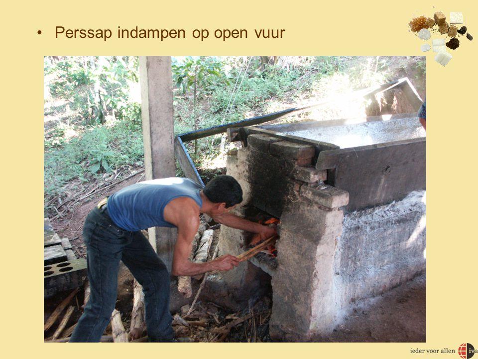 •Perssap indampen op open vuur