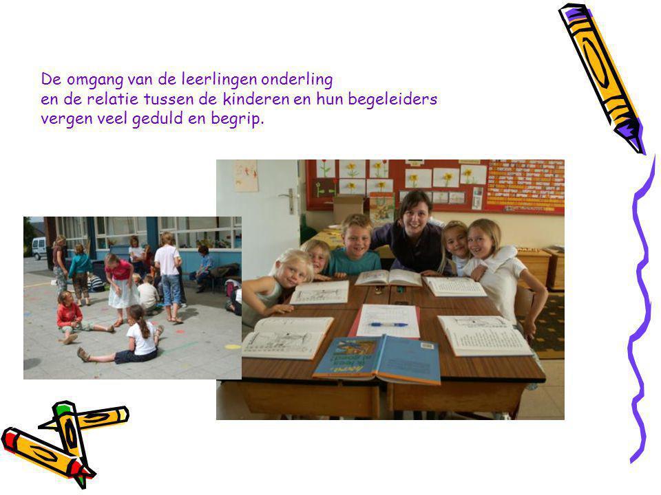 Naast kennisoverdracht staan de leerkrachten ook in voor een opvoeding die strookt met het opvoedingsproject van onze school.