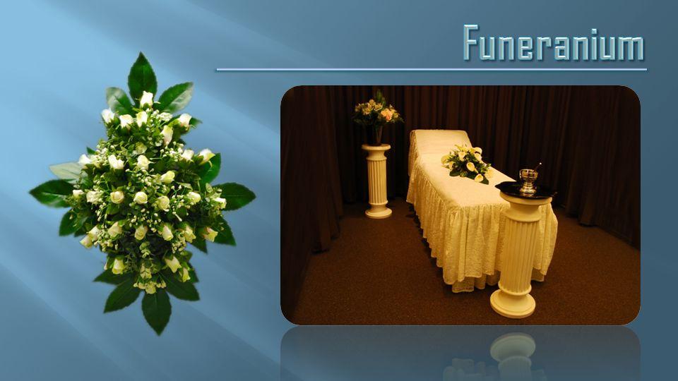 Wij beschikken over een uitgebreide selectie lijkkisten, bloemen,urnen, grafstukken en juwelen.