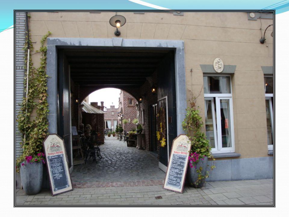 Enkele kapellen van vroeger doen nu dienst als boetiek of restaurant.