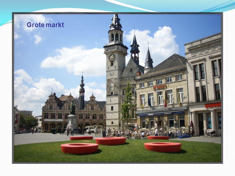 Winkelgalerij Pieter van Aelst Ook om te winkelen komt men in Aalst aan zijn trekken.