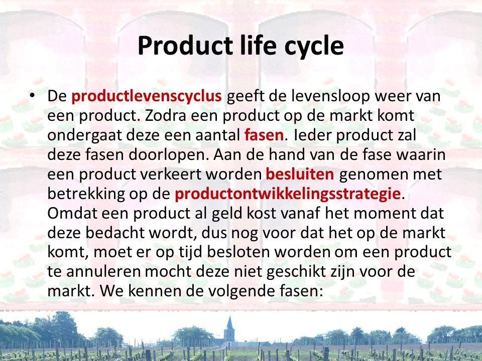 • De productlevenscyclus geeft de levensloop weer van een product. Zodra een product op de markt komt ondergaat deze een aantal fasen. Ieder product z