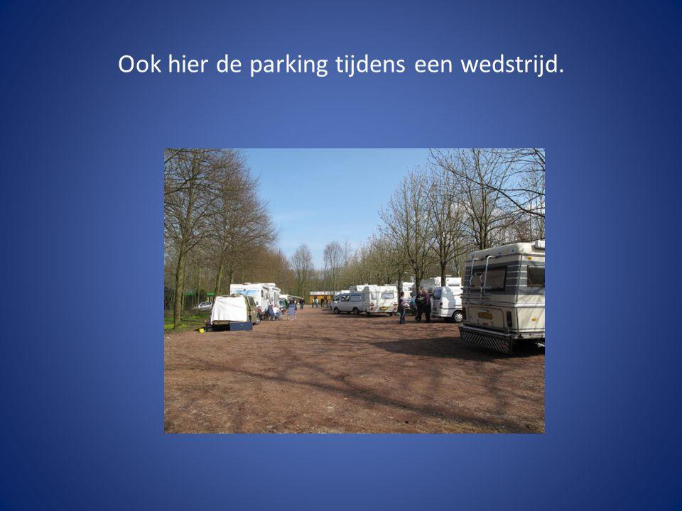 Ook hier de parking tijdens een wedstrijd.
