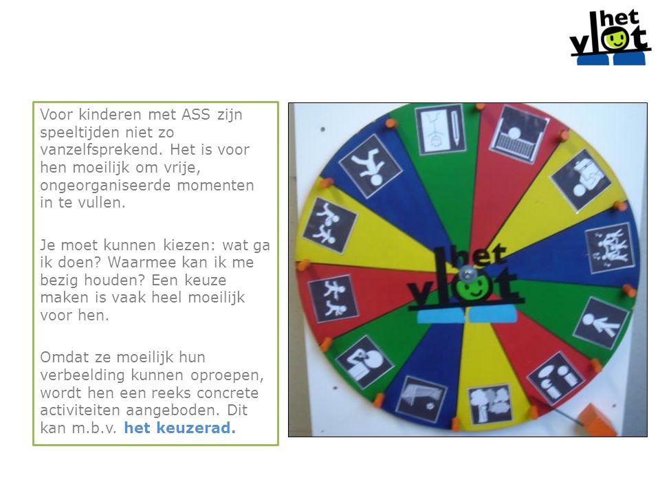 Voor kinderen met ASS zijn speeltijden niet zo vanzelfsprekend. Het is voor hen moeilijk om vrije, ongeorganiseerde momenten in te vullen. Je moet kun