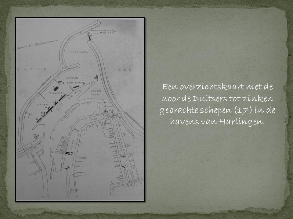 Een overzichtskaart met de door de Duitsers tot zinken gebrachte schepen (17) in de havens van Harlingen.