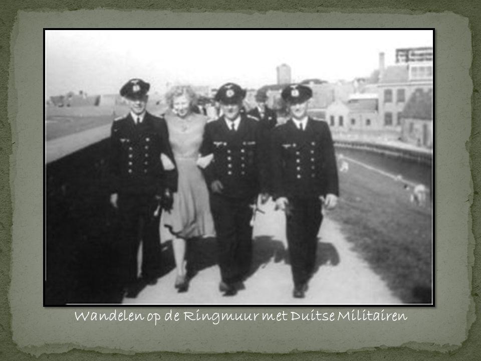 Wandelen op de Ringmuur met Duitse Militairen