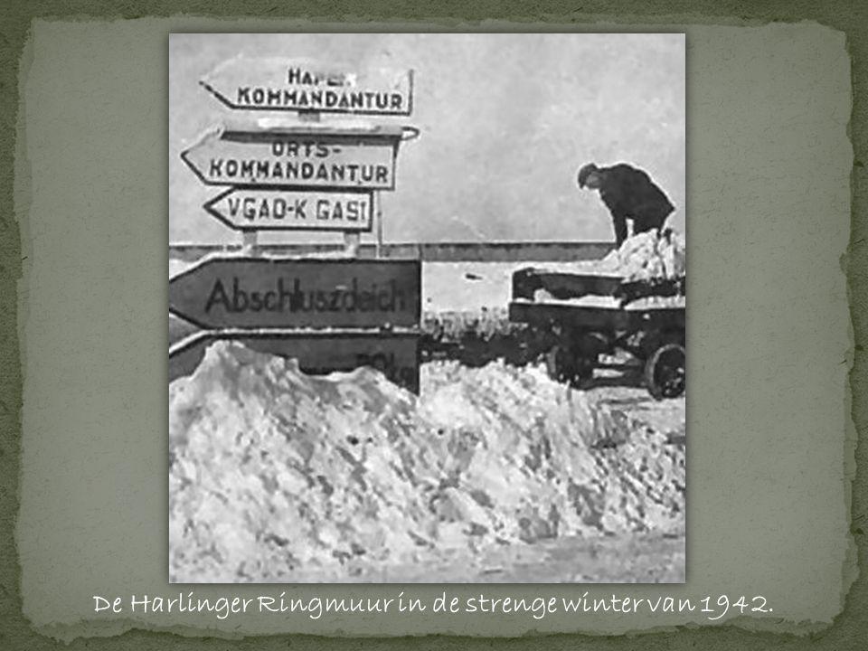 De Harlinger Ringmuur in de strenge winter van 1942.