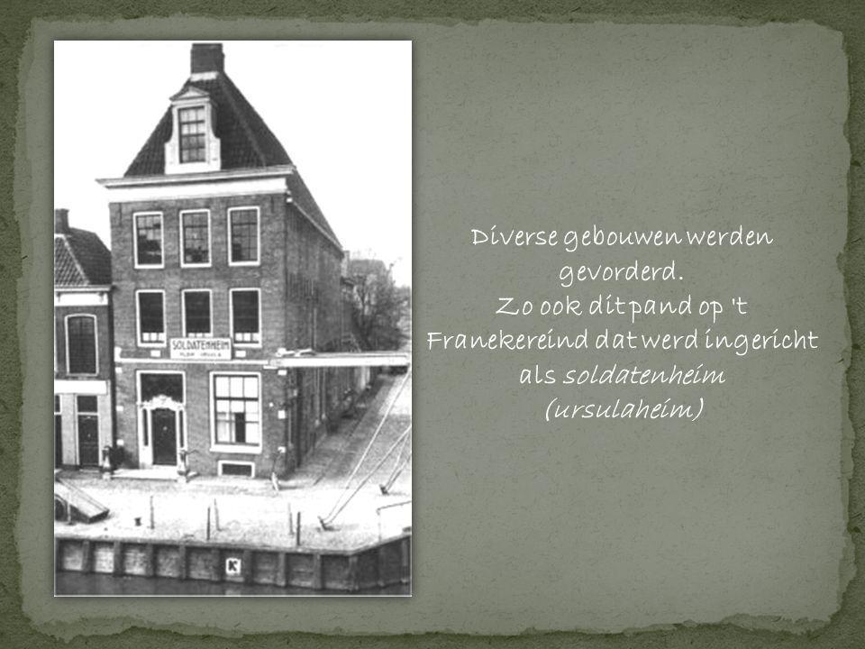 Diverse gebouwen werden gevorderd.
