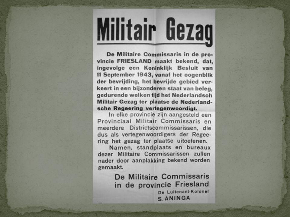 Op diverse plaatsen in de stad verschenen Duitse richtingaanwijzers. Gele borden met zwarte letters. Zoals hier de hoek van de Voorstraat op de plaats
