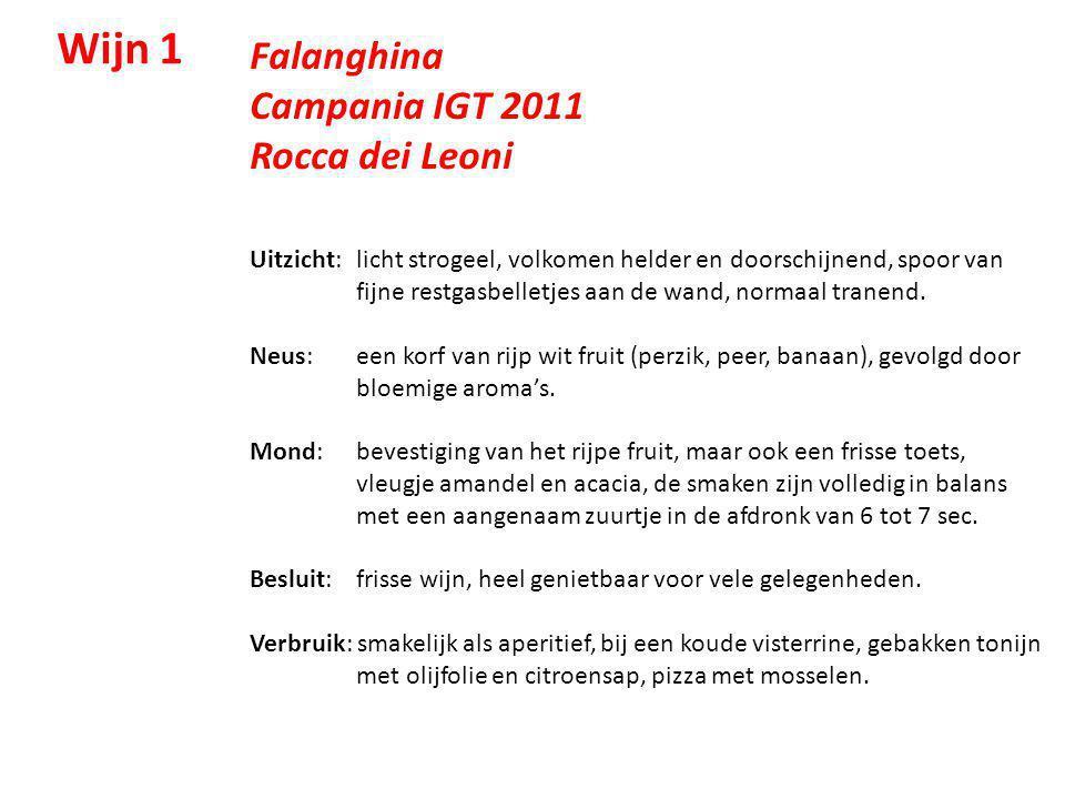 Falanghina Campania IGT 2011 Rocca dei Leoni Uitzicht: licht strogeel, volkomen helder en doorschijnend, spoor van fijne restgasbelletjes aan de wand,