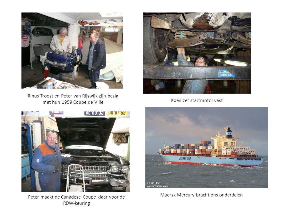 Rinus Troost en Peter van Rijswijk zijn bezig met hun 1959 Coupe de Ville Maersk Mercury bracht ons onderdelen Peter maakt de Canadese Coupe klaar voo