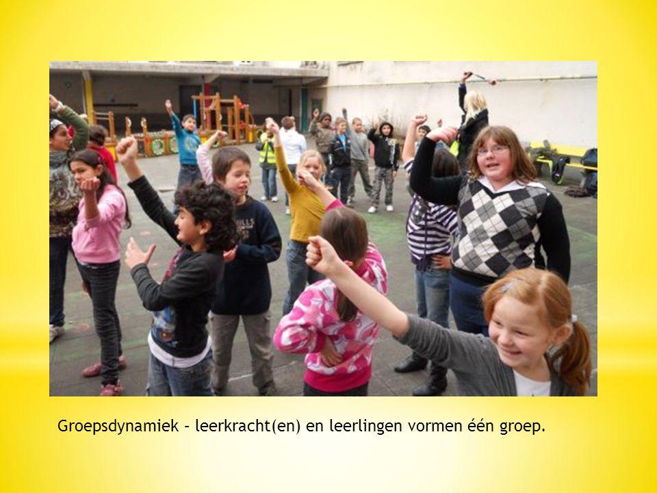 Groepsdynamiek – leerkracht(en) en leerlingen vormen één groep.