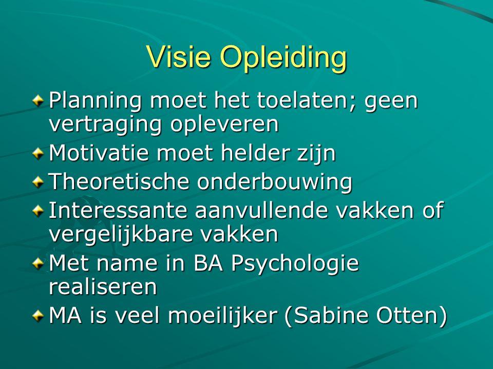 • www.beursopener.nl overzicht van studiebeurzen&fondsen www.beursopener.nl • www.study-in-europe.org info over studeren in Europa www.study-in-europe.org • www.ib-groep.nl over studiefinanciering www.ib-groep.nl • www.studeren-in-het-buitenland.nl portal met links naar sites www.studeren-in-het-buitenland.nl • www.euroguidance.nl onderwijsmogelijkheden in Europa www.euroguidance.nl • www.interedu.com internationaal onderwijs infocentrum www.interedu.com • www.europass.nl uniforme weergave vaardigheden&competenties voor in het buitenland www.europass.nl • www.hobsons.com gegevens van opleidingen in de hele wereld www.hobsons.com • europa.eu.int/ploteus overzicht opleidingen in de Europese Unie & praktische info over het verblijf in die landen • www.braintrack.com meer dan 5500 links naar hoger onderwijsinstellingen in 161 landen www.braintrack.com • www.esn.org site van het Erasmus Studenten Netwerk over Europese studentenuitwisseling www.esn.org • www.wijsopreis.nl site van ministerie van Buitenlandse zaken, zie Reisadvies per land voor reisadviezen en landenoverzichten www.wijsopreis.nl