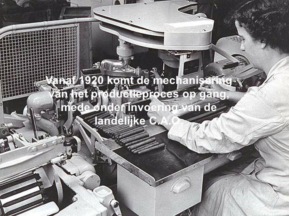 Vanaf 1920 komt de mechanisering van het productieproces op gang, mede onder invoering van de landelijke C.A.O.
