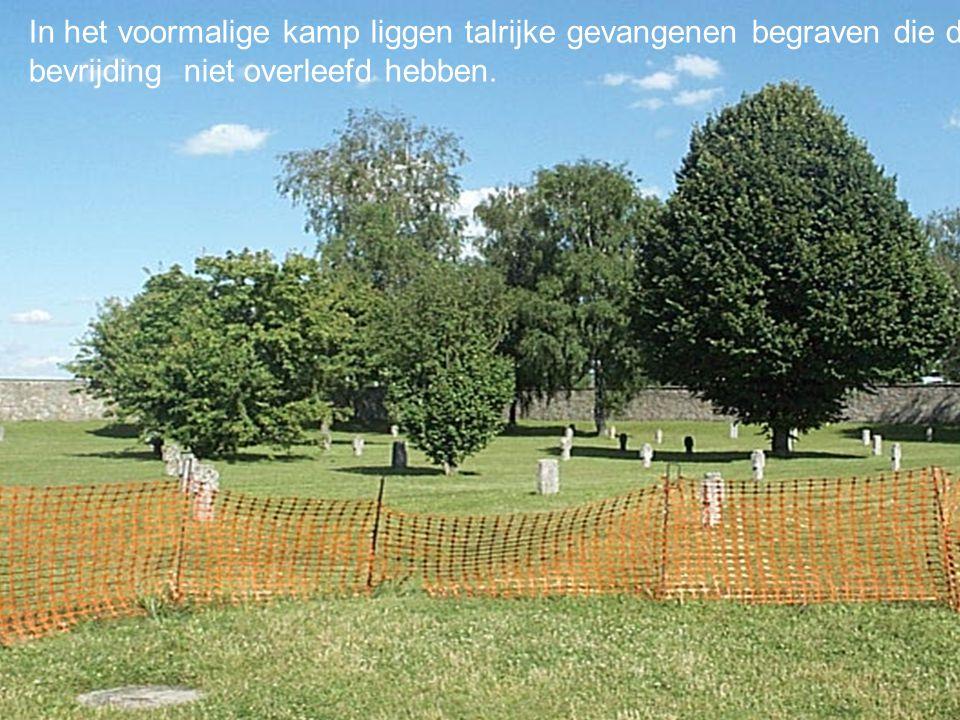 Konzentrationslager Mauthausen In het voormalige kamp liggen talrijke gevangenen begraven die de bevrijding niet overleefd hebben.