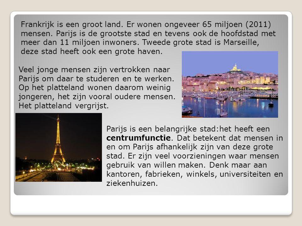 Frankrijk is een groot land. Er wonen ongeveer 65 miljoen (2011) mensen. Parijs is de grootste stad en tevens ook de hoofdstad met meer dan 11 miljoen