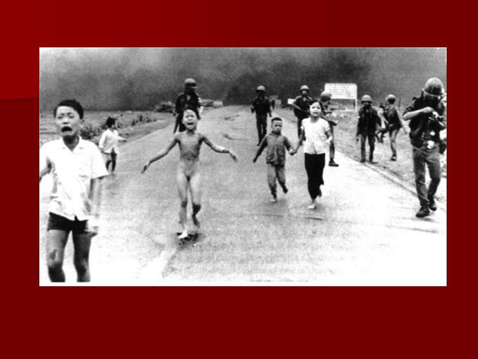 15 Augustus 1945 Japan capituleert → koloniale bestuurders en militairen waren er nog niet→ diverse nationalistische leiders roepen onafhankelijkheid uit: 17 augustus 1945 Indonesië Europese mogendheden moeten kolonies in Azië opgeven; Engeland en Nederland doen dat maar Fransen blijven zich verzetten 2 september 1945 Vietnam